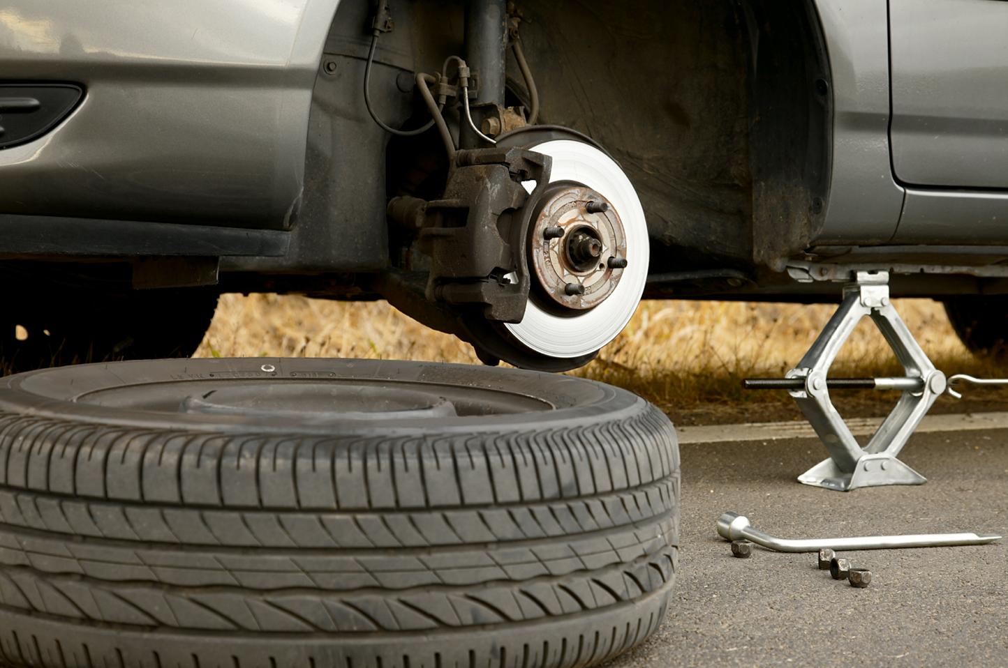 Change car tire
